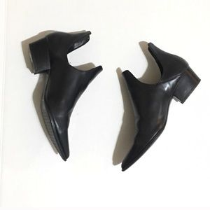 Zara Booties! Perfect for Fall! 🖤